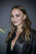 Lily-Rose Depp - Page 3 864c5a1098644384