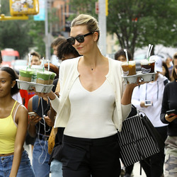 Karlie Kloss - Out in NYC 8/22/18