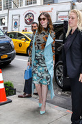 Anne Hathaway - Arriving at he hotel in NYC 5/22/18