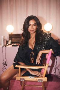 Kelly Gale - 2018 Victoria's Secret Fashion Show in NYC 11/8/2018 f385361026202674