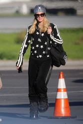 Paris Hilton - Arriving in Van Nuys 1/2/19