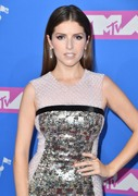 Анна Кендрик (Anna Kendrick) MTV Video Music Awards, 20.08.2018 - 90xHQ 560b49955980344