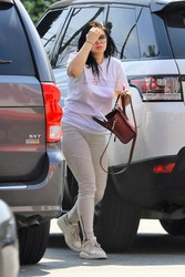 Ariel Winter - Shopping at CVS in LA 4/2/18