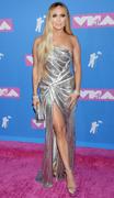 Дженнифер Лопез (Jennifer Lopez) MTV Video Music Awards, 20.08.2018 (95xHQ) Ba1c8e955993734