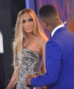 Дженнифер Лопез (Jennifer Lopez) MTV Video Music Awards, 20.08.2018 (95xHQ) Ae2905955996434