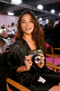 Shanina Shaik - 2018 Victoria's Secret Fashion Show in NYC 11/8/2018 a1564d1026214444