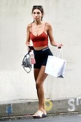 Chantel Jeffries - Shopping in LA 8/1/18