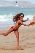 Izabel Goulart in Bikini on the Beach in Fernando de Noronha 12/30/20171e7817705335003