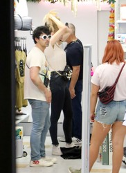 Sophie Turner - Out for some lunch and shopping in Barcelona - June 19, 2018
