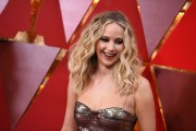Дженнифер Лоуренс (Jennifer Lawrence) 90th Annual Academy Awards at Hollywood & Highland Center in Hollywood, 04.03.2018 - 85xHQ F66a1e880703024