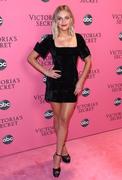Kelsea Ballerini - 2018 Victoria's Secret Fashion Show in NYC 11/8/18