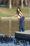 Selena Gomez at Lake Balboa park in Encino 02/02/2018672eeb737639523
