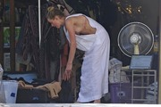 Amber Heard - Cleaning her garage in LA 7/30/2018 cc4a77932676584