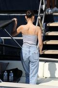 Bella Hadid boarding a yacht in Monaco 05/25/2018542838876374594