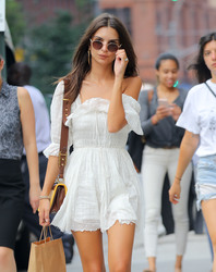 Emily Ratajkowski - Out in NYC 8/16/18