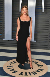 Nina Agdal - 2018 Vanity Fair Oscar Party 3/4/18