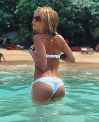 http://thumbs2.imagebam.com/64/69/01/b27dd81114118734.jpg