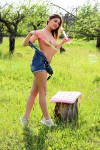 Lindsey T | Monika Monika Dee - Bubbly