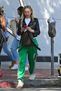 Corinne Olympios shows her excitement after a getting a treatment at the Kate Somerville Spa 25.03.2019 x22 Cacb5c1174822584
