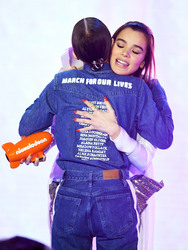 Hailee Steinfeld - 2018 Nickelodeon Kids Choice Awards in LA 3/24/18