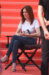 Julianne Moore - Doing an interview for L'Oreal during the 71st Cannes Film Festival 5/8/18