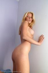 http://thumbs2.imagebam.com/69/9f/9a/c533311084733844.jpg