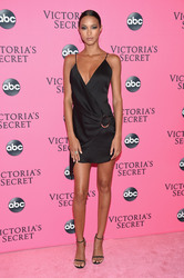 Lais Ribeiro - 2018 Victoria's Secret Viewing Party in NYC 12/2/2018 8667b31050725574