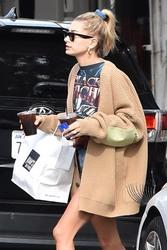 Hailey Baldwin - Getting lunch in Studio City 10/2/18