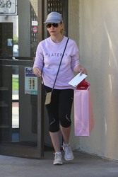 Sarah Michelle Gellar - Out in Brentwood 1/25/19