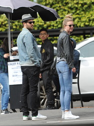 Emily VanCamp - Out for lunch in Los Feliz 3/17/18