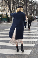 Karlie Kloss - Shopping in Paris 1/19/19