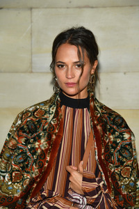 Alicia Vikander - Louis Vuitton Fashion Show in Paris 10/2/18