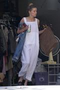 Amber Heard - Cleaning her garage in LA 7/30/2018 100830932677914