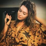 Renee Olstead - 2018 Instagram Pictures