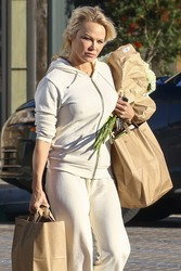 Pamela Anderson - Grocery shopping in Malibu 1/21/19