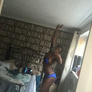Dina Asher-Smith selfies 19c590951737464