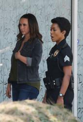 Jennifer Love Hewitt - On the set of 9-1-1 in LA 8/9/2018 e9eb94942151334