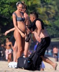 Candice Swanpoel & Doutzen Kroes - Bikini candids in Trancoso, Brazil 1/4/18