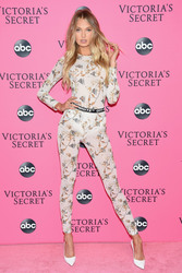 Romee Strijd - 2018 Victoria's Secret Viewing Party in NYC 12/2/2018 ab25ae1050738604