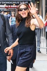 Jennifer Garner Visits 'Good Morning America' in New York City 07/16/2018443608921666614