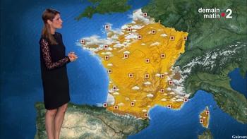 Chloé Nabédian - Août 2018 24fe9e952179444