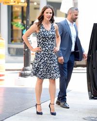 Jennifer Garner out in New York City 07/16/20185bae1b921670424