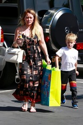 Hilary Duff - Taking her son to a birthday party in LA 6/15/18
