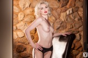 http://thumbs2.imagebam.com/77/b6/d3/da1d99655551983.jpg