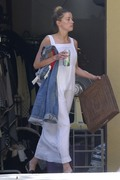 Amber Heard - Cleaning her garage in LA 7/30/2018 49f922932678134