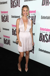 Arielle Kebbel - Entertainment Weekly Hosts Its Annual Comic-Con Party 7/21/18