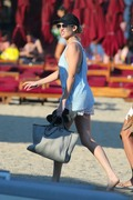Stephanie Pratt in Bikini on the Beach in Mykonos 06/19/2018285950899337824