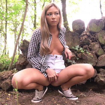 Natalia Forrest Wank In The Woods (2018) HD 1080p