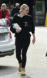 Dakota Fanning - Leaving Whole Foods in LA 2/1/19