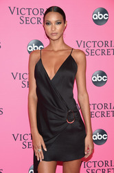 Lais Ribeiro - 2018 Victoria's Secret Viewing Party in NYC 12/2/2018 b5f1841050725474